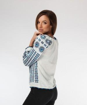 ie tricotata cu model albastru degrade