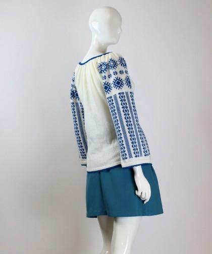 ie tricotata cu model albastru