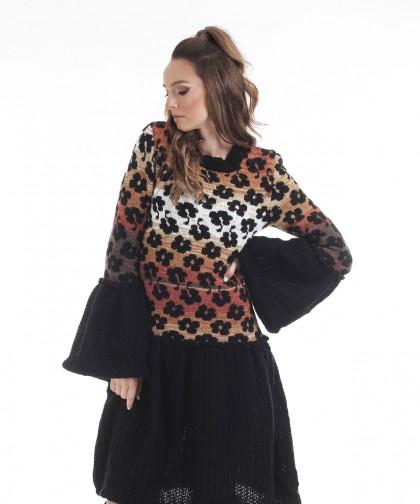 rochie neagra tricotata cu volane