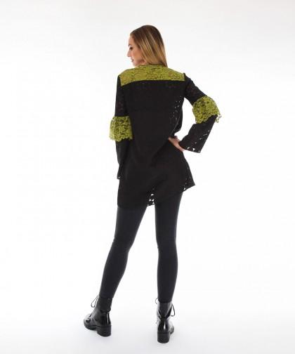 bluza neagra cu volan verde