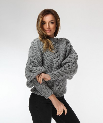 pulover gri cu impletitura