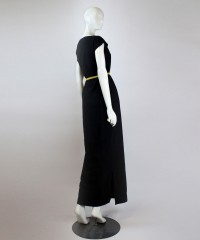 rochie neagra cu aplicatie