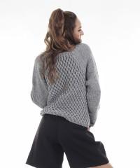 pulover gri tricotat manual