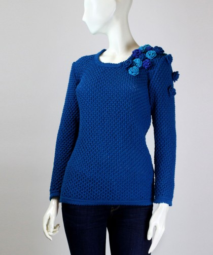 bluza tricotata cu flori crosetate
