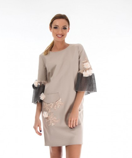 rochie champagne cu aplicatii